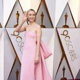Saoirse Ronan en la alfombra roja de los Oscar
