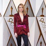 Emma Stone en la alfombra roja de los Oscars 2018