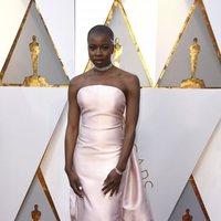 Danai Gurira en la alfombra roja de los Oscar