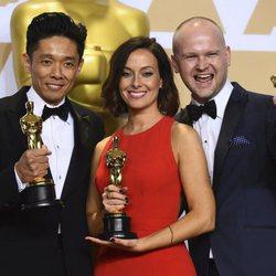 Kazuhiro Tsuji, Lucy Sibbick y David Malinowski, ganadores del Oscar a Mejor maquillaje y peluquería por 'El instante más oscuro'
