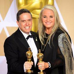 Lee Unkrich y Darla K. Anderson, ganadores del Oscar a la Mejor película animada por 'Coco'