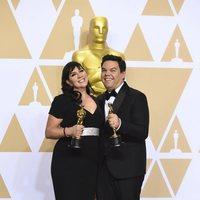 """Kristen Anderson-Lopez y Robert Lopez, ganadores del Oscar a la Mejor canción original por """"Remember Me"""" de 'Coco'"""