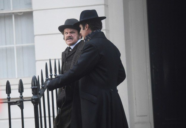 Holmes & Watson, fotograma 2 de 9