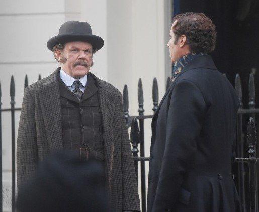 Holmes & Watson, fotograma 1 de 9