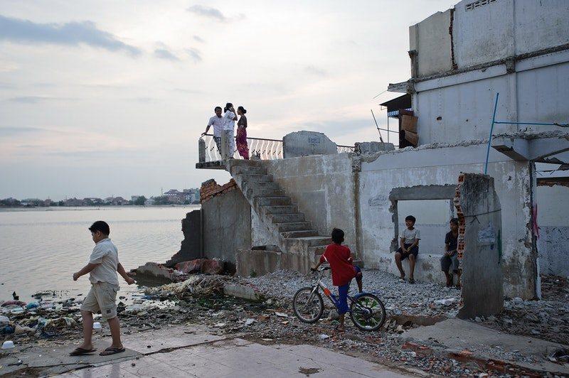 A Cambodian Spring, fotograma 17 de 23