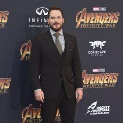 Chris Pratt posa en la alfombra púrpura de la premiere mundial de 'Vengadores: Infinity War'