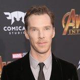 Benedict Cumberbatch posa en la alfombra púrpura de la premiere de 'Vengadores: Infinity War'