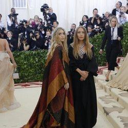 Las gemelas Olsen en la Gala Met 2018