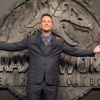 Chris Pratt muy feliz en la premiere mundial de 'Jurassic World: El reino caído' en Madrid