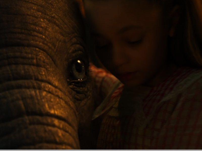 Dumbo, fotograma 3 de 17