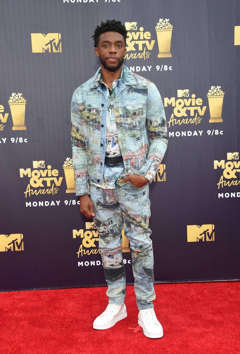 Chadwick Boseman en la alfombra roja de los MTV Movie & TV Awards 2018