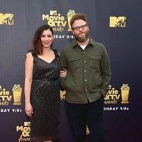 Seth Rogen and Lauren Miller at the MTV Movie & TV Awards 2018 red carpet