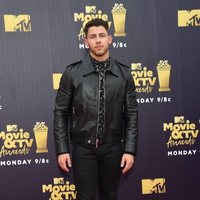 Nick Jonas en la alfombra roja de los MTV Movie & TV Awards 2018
