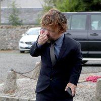 Peter Dinklage llega a la boda de Kit Harington y Rose Leslie