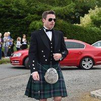 Richard Madden llega a la boda de Kit Harington y Rose Leslie