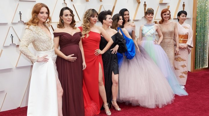 The Elsas of the world pose at the 2020 Oscars