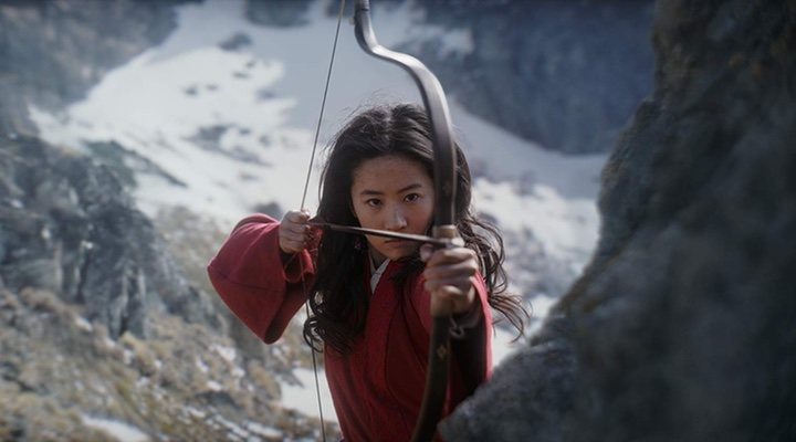 The first reviews of Disney's live-action 'Mulan' are largely positive, praising this feminist take on the tale