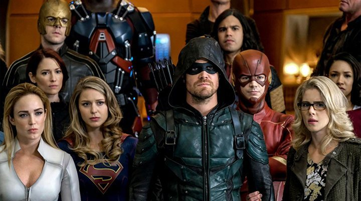 The first trailer for 'Crisis on Infinite Earths' is here, and the crossover promises to be ambitious