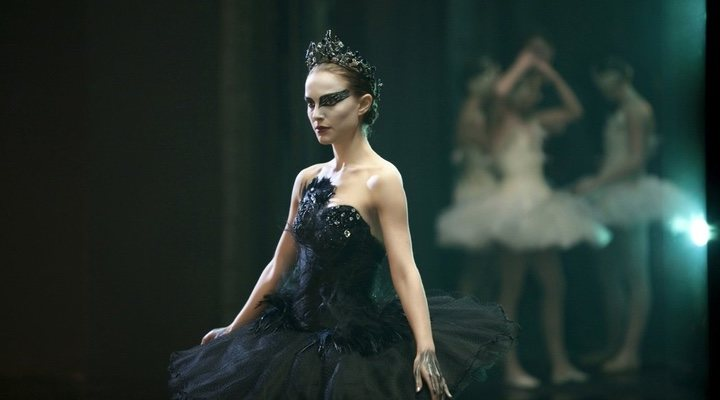 Psychological thriller and dark horror meet in the critically-acclaimed 'Black Swan'