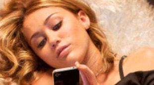 Miley Cyrus y Ashley Greene, rivales en el nuevo tráiler de 'Bienvenido al mundo de LOL'