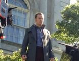 Michael Fassbender levita en una imagen del rodaje de 'X-Men: Days of Future Past'