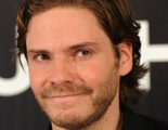 Daniel Brühl es Niki Lauda en 'Rush': 'Es un papel que no podía hacer con el freno de mano'