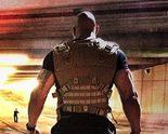 Dwayne Johnson solo ante el peligro en una nueva imagen de 'Fast & Furious 7'