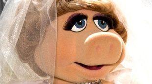 Vivienne Westwood viste a la cerdita Peggy en un día muy especial que veremos en 'El tour de los Muppets'