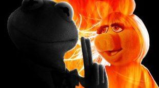 La rana Gustavo se convierte en James Bond en los nuevos pósters de 'El tour de los Muppets'