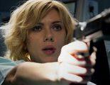 Scarlett Johansson es una mujer de armas tomar en el tráiler de 'Lucy'