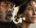 Tommy Lee Jones y Hilary Swank, dolientes en el nuevo póster de 'The Homesman'