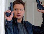 Jeremy Renner vuelve a hablar de la secuela de 'El legado de Bourne' y del crossover con Matt Damon