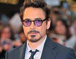 Robert Downey Jr. entrega un brazo biónico de Iron Man a un niño discapacitado