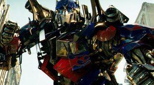 Los 'Transformers' destrozan todas las películas que pillan