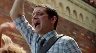 Elijah Wood trata de sobrevivir a los niños infectados en el tráiler de 'Cooties'
