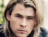 Chris Hemsworth aparece montado en la moto y con la indumentaria de los 'Cazafantasmas'
