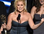 La actriz Jennifer Lawrence felicita de una original forma a Amy Schumer por su Emmy 2015