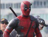 Ryan Reynolds se lleva el trabajo a casa y se disfraza de 'Deadpool' en Halloween