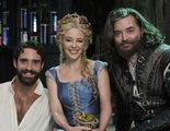 Kylie Minogue canta para desnudar a Joshua Sasse en 'Galavant'
