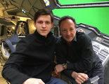 Tom Holland se fotografía a bordo de un Quinjet en el rodaje de 'Capitán América: Civil War'