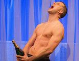 Russell Tovey se disculpa por causar un desmayo... con su torso desnudo