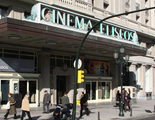 Almodóvar y Trueba quieren ayudar a rescatar el Cinema Elíseos de Zaragoza