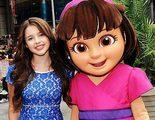 La actriz que dobla a 'Dora, la exploradora' es expulsada del instituto por fumar en los baños