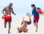 Zac Efron se convierte en meme por su caída en 'Los vigilantes de la playa'
