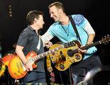 Coldplay recrea una escena de 'Regreso al futuro' con la ayuda de Michael J. Fox