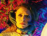 Natasha Lyonne tiene un embarazo psicodélico en el primer tráiler de 'Antibirth'