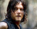 Norman Reedus guarda la cabeza cercenada de Johnny Depp de 'The Walking Dead'