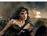 Gal Gadot opina sobre la bisexualidad de 'Wonder Woman'