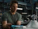 'Passengers': Chris Pratt corta a Jennifer Lawrence en sus fotografías