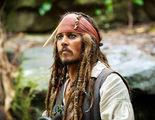 Johnny Depp visita un hospital infantil vestido de Jack Sparrow ('Piratas del Caribe')